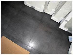 joint carrelage noir idees de decoration a la maison With joint de carrelage