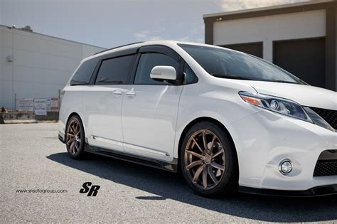 toyota sienna  pur wheels  unexpectedly sporty