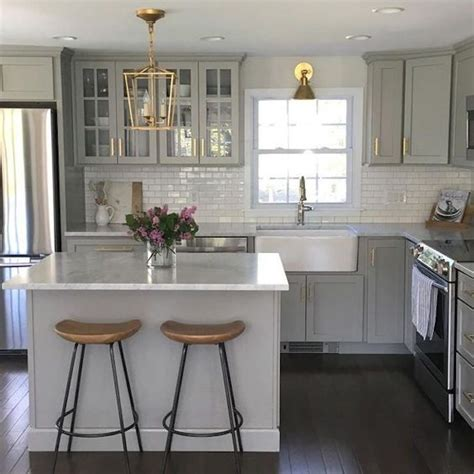 small square kitchen ideas 25 best ideas about square kitchen layout on pinterest square kitchen contemporary small