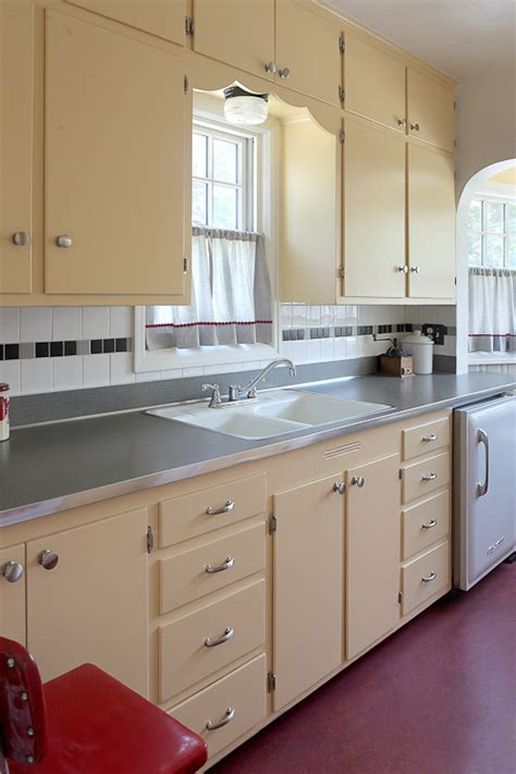 """Lauryn And Dennis' 1939 """"humble Kitchen"""" Makeover  20"""