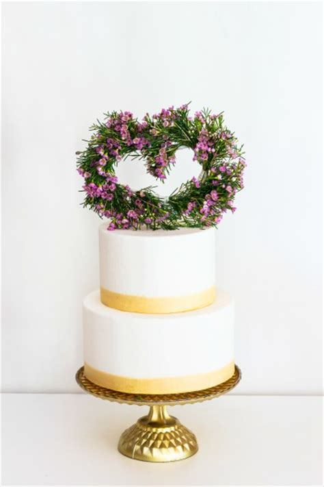fresh flower cake topper weddingbee