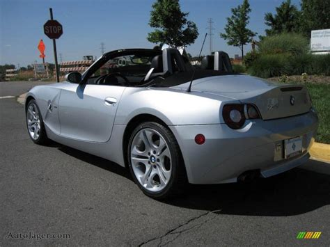 2005 Bmw Z4 Specifications by Bmw Z4 3 0i 2005 Auto Images And Specification