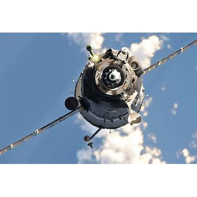 File:Soyuz TMA-20 spacecraft approaches the ISS 1.jpg