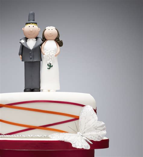 Gallery Of How To Preserve Wedding Cake Figures Baseball