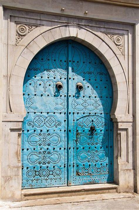 des portes tunisiennes qui nous touchent au  profond