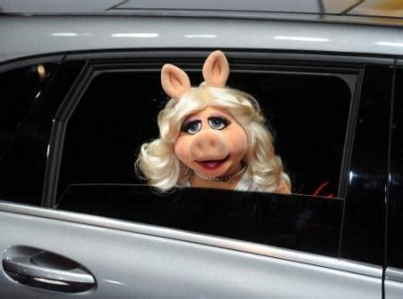 FOK.nl / Nieuws / Miss Piggy presenteert BAFTA's