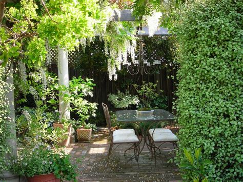 7 stunningly beautiful cottage garden designs serenity