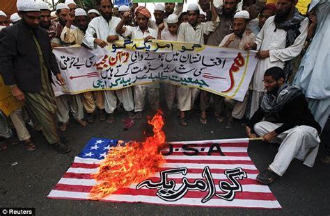 afghanistan koran burning protests effigy  black dog