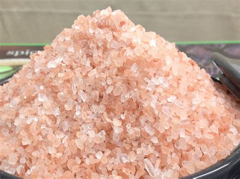 what is a salt rock l himalayan pink rock salt coarse ground the spiceworks