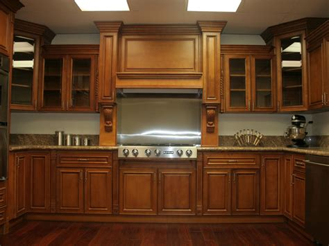 colors for kitchens with maple cabinets maple kitchen cabinets www redglobalmx org 9440