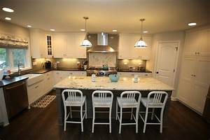 Kitchen remodel vs bathroom remodel which adds more for Kitchen remodeling ideas increase value house