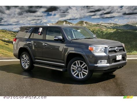 toyota runner limited   magnetic gray metallic