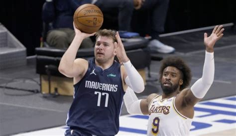 Doncic, Mavs stun Lakers with rally in Davis' 2nd game ...
