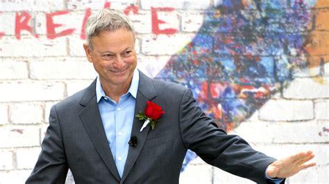 gary sinise named  rose parade grand marshal chicago