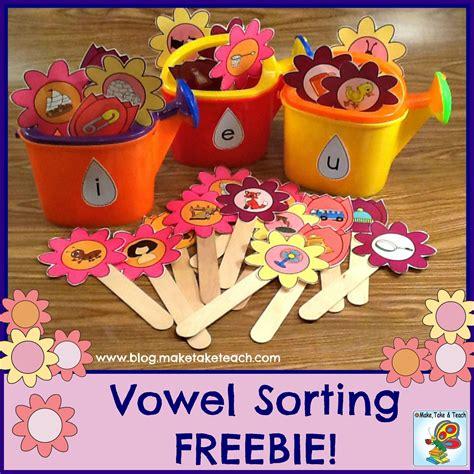 springtime vowel sorting freebie kindergartenklub 272 | 979ebab5675468d7e7b2d585582b1c3d