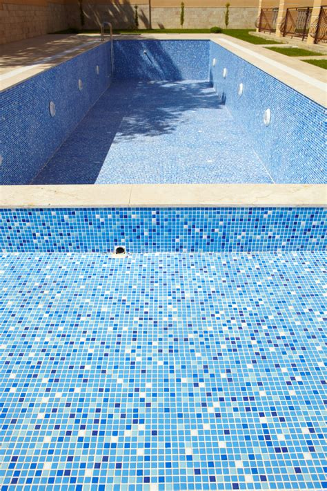 tiles tropical pools