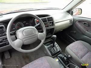 Medium Gray Interior 1999 Chevrolet Tracker Soft Top 4x4