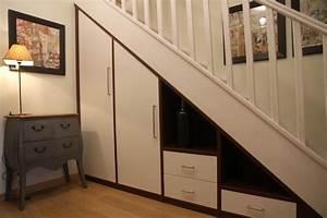 Placard Escalier : am nagement placard sous escalier je vous le recommande pour votre duplex ~ Carolinahurricanesstore.com Idées de Décoration