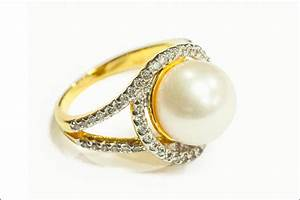 49 wedding rings that will leave you dazzled With wedding rings with pearls and diamonds