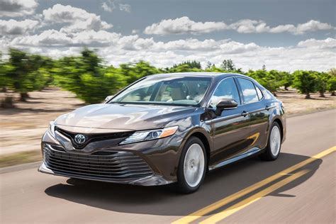 2018 Toyota Camry Hybrid Xle Front Three Quarter In Motion