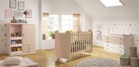 chambre complete de bébé chambre de bébé complete miki moderne et épurée glicerio