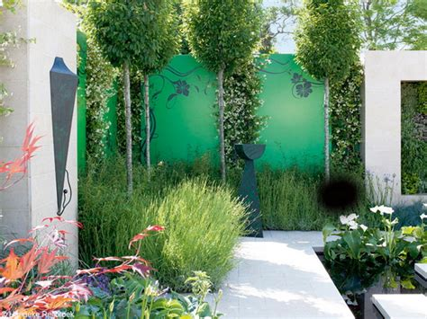backyard fence decorating ideas add color to your garden with eye catching accent details