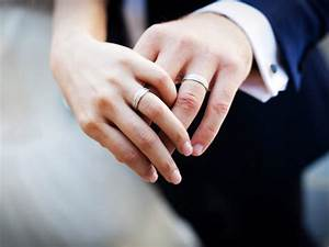 wedding ring on finger photos wedding ideas With why do we wear wedding rings