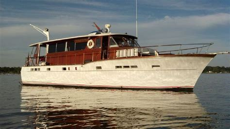 Motor Yacht For Sale Ebay by 1000 Ideas About Power Boats On Power Boats