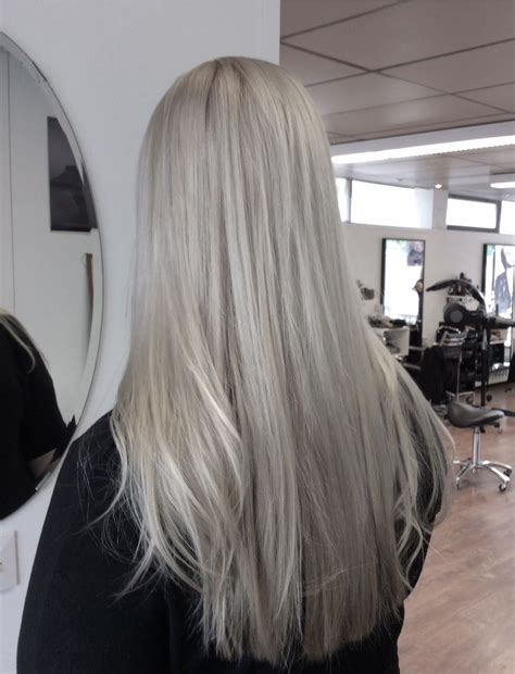Light Silver Grey Hair Hopean Harmaat Pitkät Hiukset