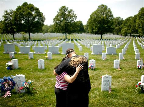 Tear-filled salutes to military heroes: Parades, tributes ...