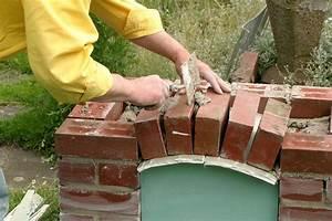 selbstgebauter grill im garten diy academy With französischer balkon mit grillecke im garten selber bauen
