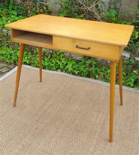 le bureau vintage joli petit bureau écolier vintage