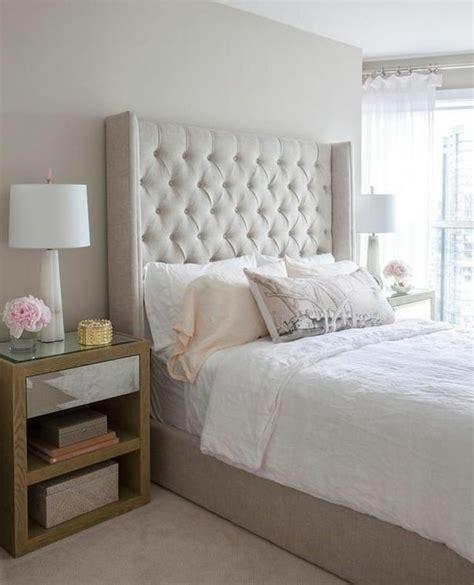 couleur tapisserie chambre choisissez un lit en cuir pour bien meubler la chambre à