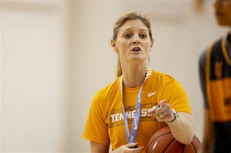 video lady vols  practice  kellie harper