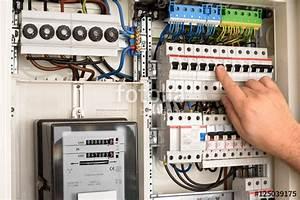 Schaltplan Sicherungskasten Hausanschluss : sicherungskasten sicherung einschalten stockfotos und lizenzfreie bilder auf ~ Watch28wear.com Haus und Dekorationen