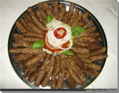 dans la cuisine de cevapcici un incontournable dans la cuisine des balkans