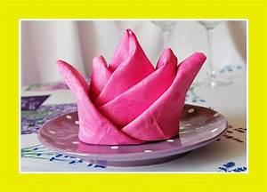 Rose Aus Serviette Drehen : servietten falten servietten servietten zu jedem anlass mustertische tischdeko ~ Frokenaadalensverden.com Haus und Dekorationen