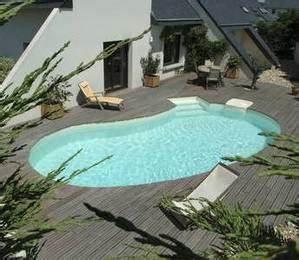 quel materiau pour votre piscine With maison en beton coule 15 piscine coque polyester
