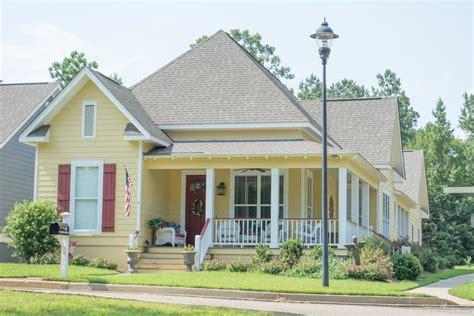 House Plan #1421080 3 Bdrm, 1,825 Sq Ft Cottage Home