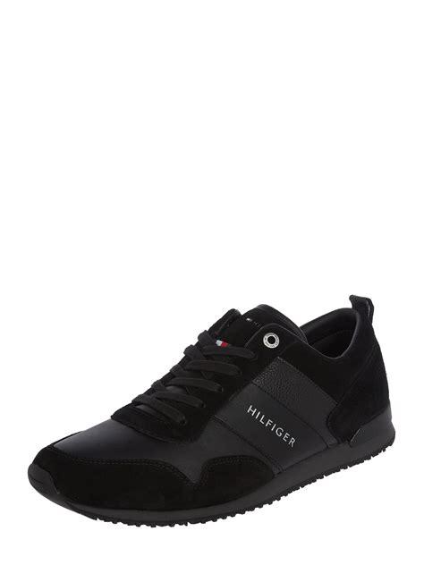 tommy hilfiger sneaker aus veloursleder  grau schwarz