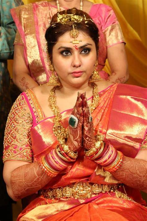 actress namitha wedding  kerala wedding style