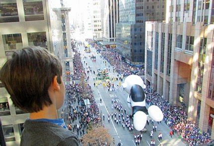 insider tips   macys thanksgiving day parade