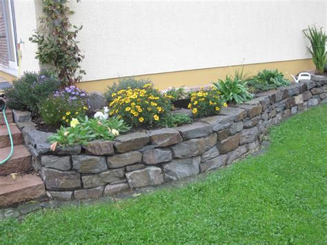 landscaping ideas  small yards walls   stones  rocks   continuation