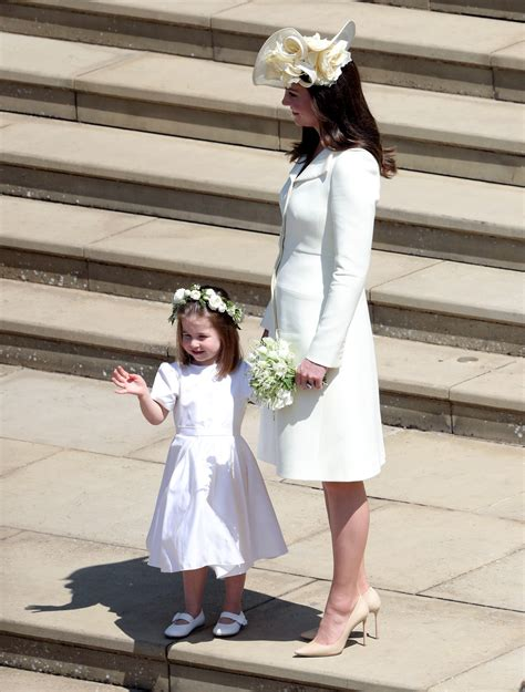 mariage harry et meghan robe kate d 233 couvrez la robe de kate middleton au mariage de meghan