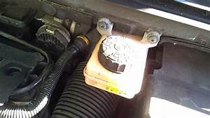 Reservoir 308 : where is the brake fluid reservoir in a peugeot 307 01 07 youtube ~ Gottalentnigeria.com Avis de Voitures