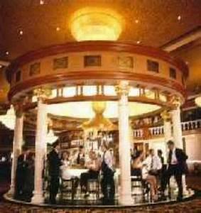 Bar A Roulette : roulette bar ~ Teatrodelosmanantiales.com Idées de Décoration