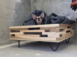 Wooden Raised Dog Beds — Jen & Joes Design : Build Pallet