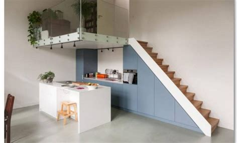 desain lantai   mirip  balkon   ruangan
