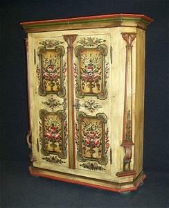 Barock Mbel Von Der Anrichte Bis Zu Antik Uhren