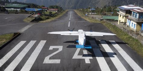 Every Airport Runway Has These Numbers - Here Is What They ...